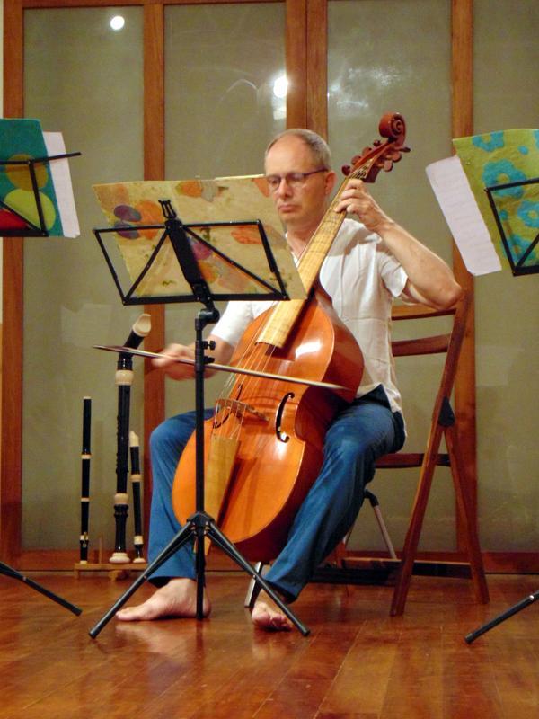 Photographer:Andrea | Dominic Goodall playing the viola da gamba