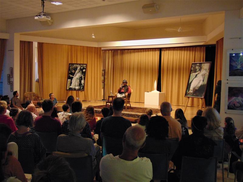 Photographer:Wobbli | Amit Goswami speech audience